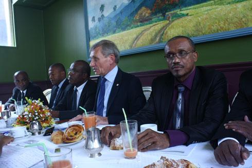 Carrefour des entrepreneurs : Un dîner à thème économique à Soarano