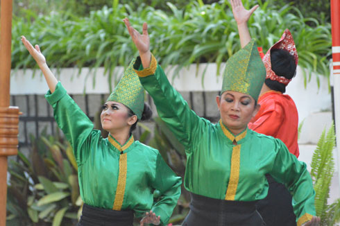 Echange culturel Indonésie-Madagascar: Belle prestation des danseurs des deux pays