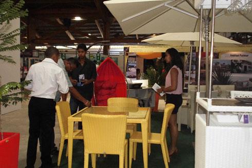 Salon de l'Habitat : Le public découvre les meubles Java