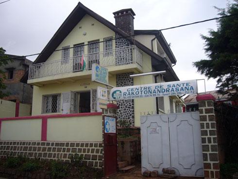 Centre de Santé Rakotonandrasana : Une consultation médicale de masse à Ambatomainty