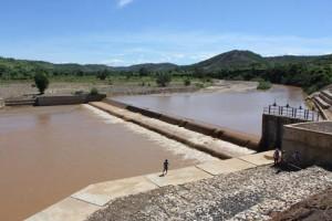 Nouveau barrage de Manombo, inauguré lundi dernier par une délégation conduite par le président Hery Rajaonarimampianina et le représentant de la BAD, Abdelkrim Bendjebbour.