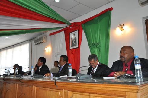 CST – Congrès : Dissolution après le 11 février 2014