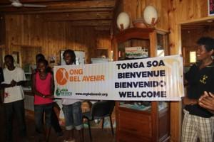 L'accueil chaleureux des jeunes Malgaches à leurs amis Kanaks