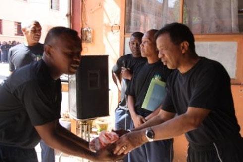 Zandarimariam-pirenena : Nizara nofon-kena mitam-pihavanana