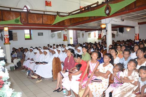 2014 : Accueillie dans la prière, dans de nombreux temples et églises