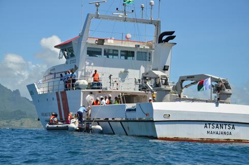 Pêche illégale dans l'Indianocéanie : Des échanges de données satellitaires