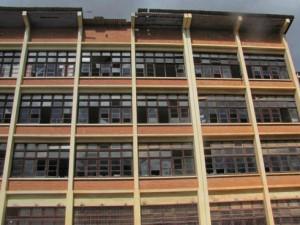 Même pour le bâtiment Annexe Lycée Jules Ferry, les dégâts se constatent réellement.