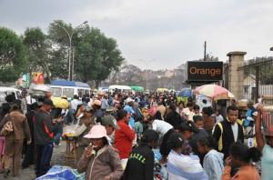 Les Malgaches se tournent ers les métiers informels à cause de la précarité.