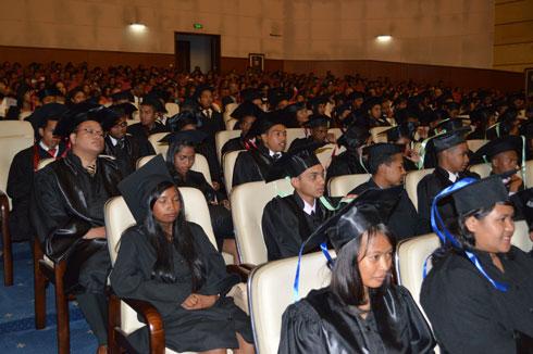 Université Aceem : Sortie de la promotion Sandratra