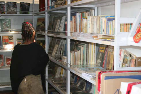 Bibliobus-Tsimbaroa : Promouvoir la lecture pour tous