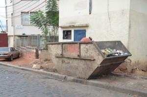 Des bacs à ordures qui ne débordent pas, ce n'est plus arrivé depuis des mois dans certains quartiers. Photo Yvon RAM.