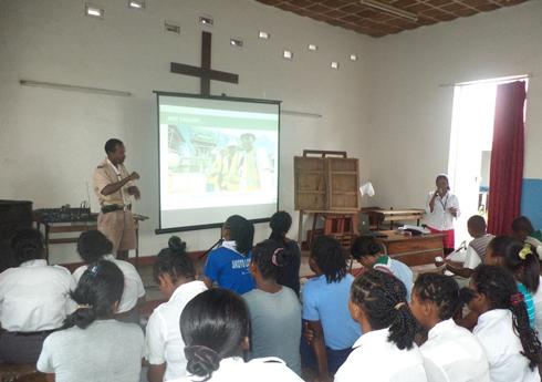 Toamasina : Des scouts sourds-muets informés sur Ambatovy