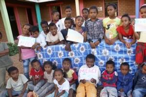 Les enfants remercient VITAFOAM.