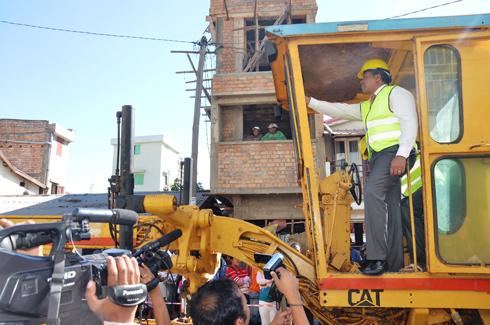 Roland Ratsiraka : Descente sur le chantier à Ambodin'Isotry