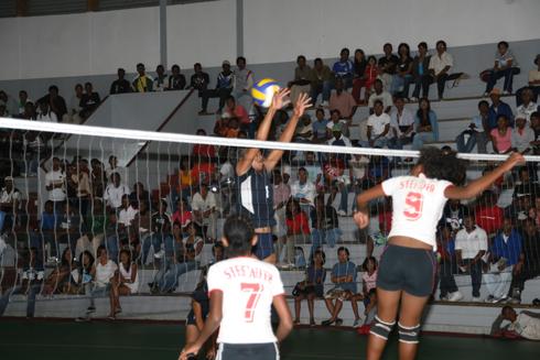 Volley-ball – Sommets nationaux : Qualificatif pour les JIOI 2015