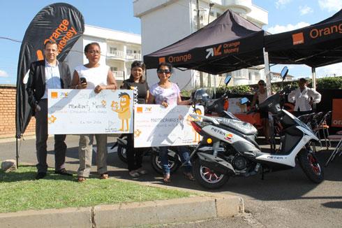 Loka Be Orange : 15 gagnants récompensés, encore 12 scooters à gagner