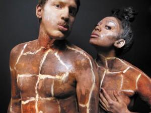 Lindiwe Matshikiza et Nicholas Welch.