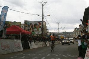 Le V de la victoire de l'Ivoirien Cissé Issiaka.