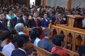 : C'est la première fois depuis 2009 que Marc Ravalomanana assiste au culte à l'Eglise FJKM Faravohitra. (Photo : Kelly)