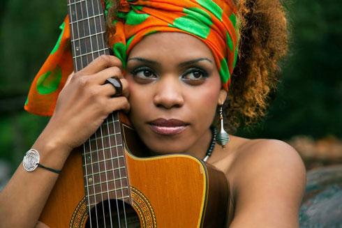 Parole d'Artiste : « Je veux faire  de la musique tropicale autrement » Affirme Mija, l'étoile montante de la musique malgache