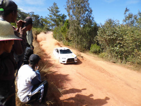Rallye Amoron'i Mania : Boom et Berthin, premiers au classement général