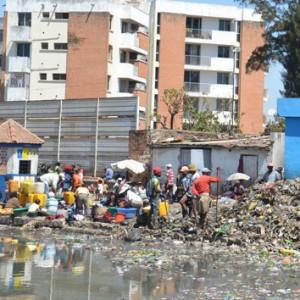 Il faut attendre qui ou quoi pour déboucher ces canaux remplis de déchets ?