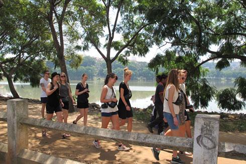 Tourisme : « Il faut agir pour sauver ce secteur sinistré », selon Mi Rakotondrahova