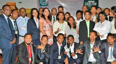 Cercle de Réflexion des Économistes de Madagascar (CREM) : Pour la démission de Hery Rajaonarimampianina !