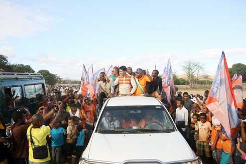 Andry Rajoelina : « Tso-drano » des Ampanjaka et Sojabe à Mandritsara