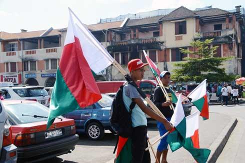 Drapeau malgache : Début de vente timide