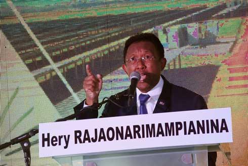Hery Rajaonarimampianina : Candidat à sa propre succession