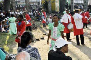 La troupe Rafarahasimanga au Jardin d'Ambohijatovo hier.