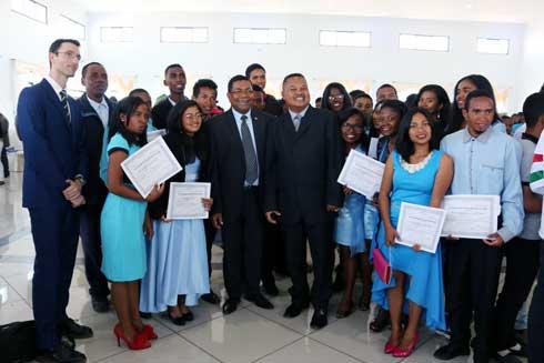 Investissement en capital humain : 100 jeunes entrepreneurs ruraux diplômés