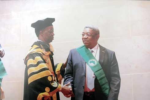 Jean Max Rakotomamonjy : Fils d'un paysan devenu chef d'Institution