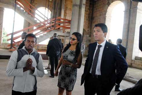 Rova de Manjakamiadana : « La reconstruction sera achevée d'ici le 26 juin 2020 », dixit Andry Rajoelina