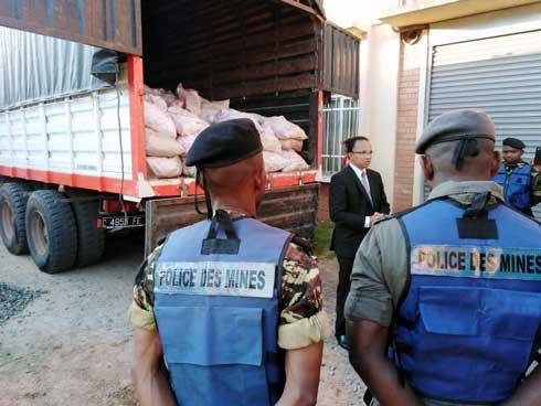 Ambatofinandrahana  : 27 tonnes de malachite saisies par la police des mines