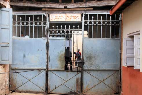 Etablissement pénitentiaire : Prisons de haute sécurité pour les grands criminels