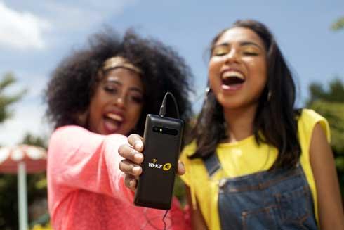 Mobile : Telma lance son premier « simple » doté de connectivité