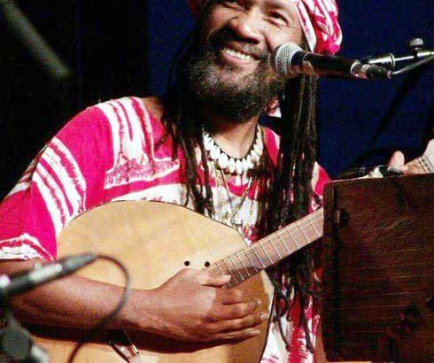 Musique du monde : Kilema Randrianantoandro frappe fort avec « Ampy zay »