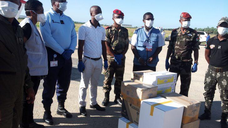 Toliara – Centre de commandement opérationnel :Réception de dix cartons de kits d'urgence