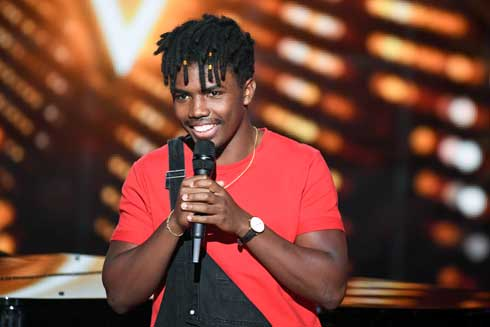 The Voice France : Tom Rochet Nambinina fier de représenter Madagascar en finale