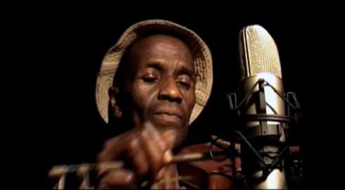 Interview : Prosper Razafimandimby – Patrimoine vivant de la musique malagasy