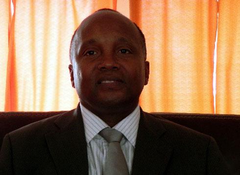 Covid-19 – Médecine Traditionnelle :  Pr Alain Tehindrazanarivelo siège au Centre régional des experts africains