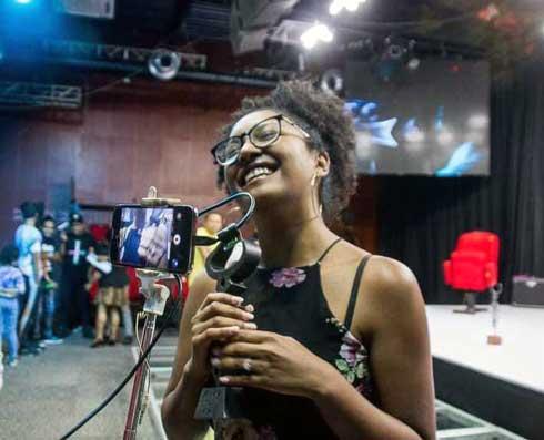 "RFC : Koloina Andriamanantsoa lauréate du ""Zébu d'or"" documentaire panafricain"
