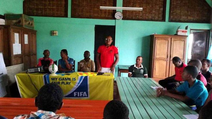 Foot-Atsinanana :18 jeunes suivent une formation d'arbitrage