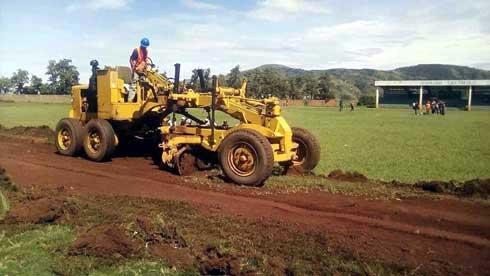 Stade synthétique de Betafo :Les travaux suspendus à la promesse non tenue du gouverneur